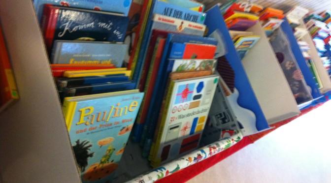 Weihnachtlicher Büchermarkt